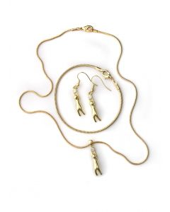 BNWT Womens Cubic Zirconia Cat & Ball Pendant Necklace & Earrings Set