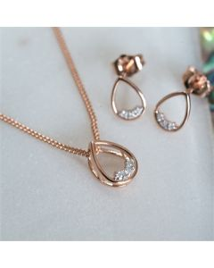 9K Rose Gold Teardrop Diamond Necklace