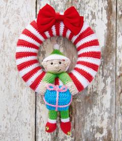 Christmas Wreath and Bauble Crochet Kit