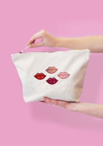 Kisses Make-up Bag